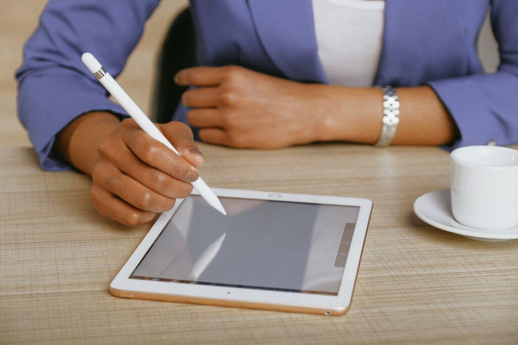 Conheça os benefícios da assinatura de contrato digital.