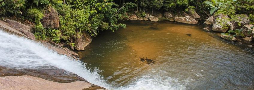 A Cachoeira do Prumirim está entre o top 5 de cachoeiras de Ubatuba para se aventurar.
